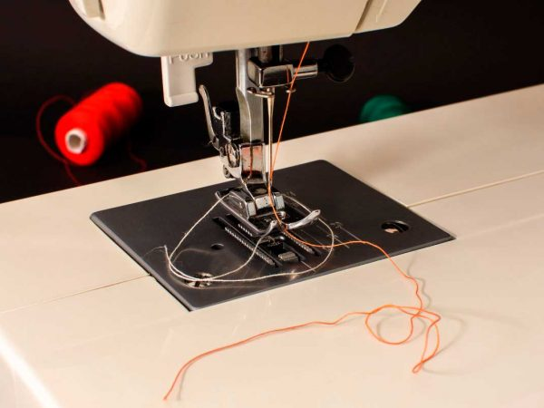 sewing-machine-maquina-de-coser